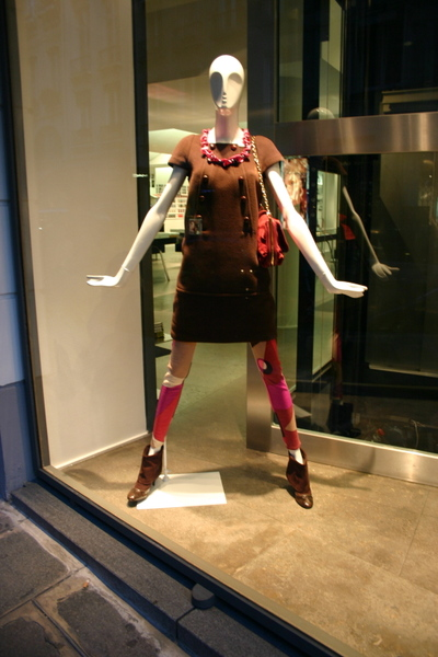 Colette_window_display_fall_07